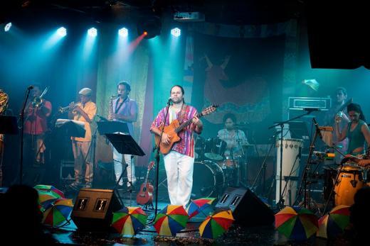 Encantoria Brincante dia 06 de maio as 20h na Praça de Iracemápolis!!